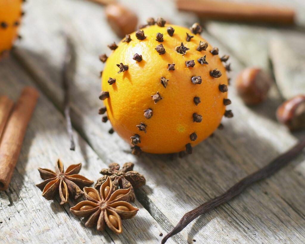 Arancia con chiodi di garofano