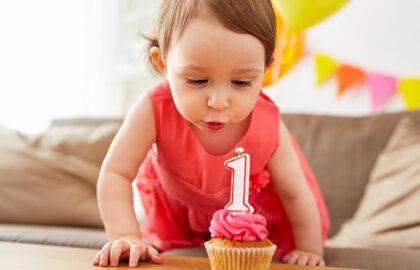 Cosa regalare al primo compleanno di una bambina